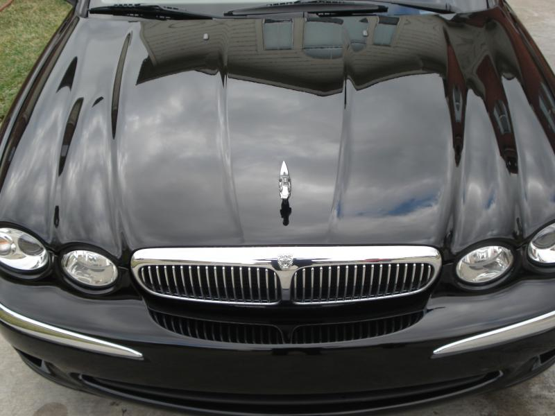 Paul's Express Auto Detail is a complete onsite car cleaning company.